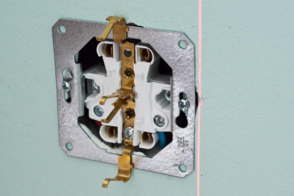 Как подключить и установить розетку