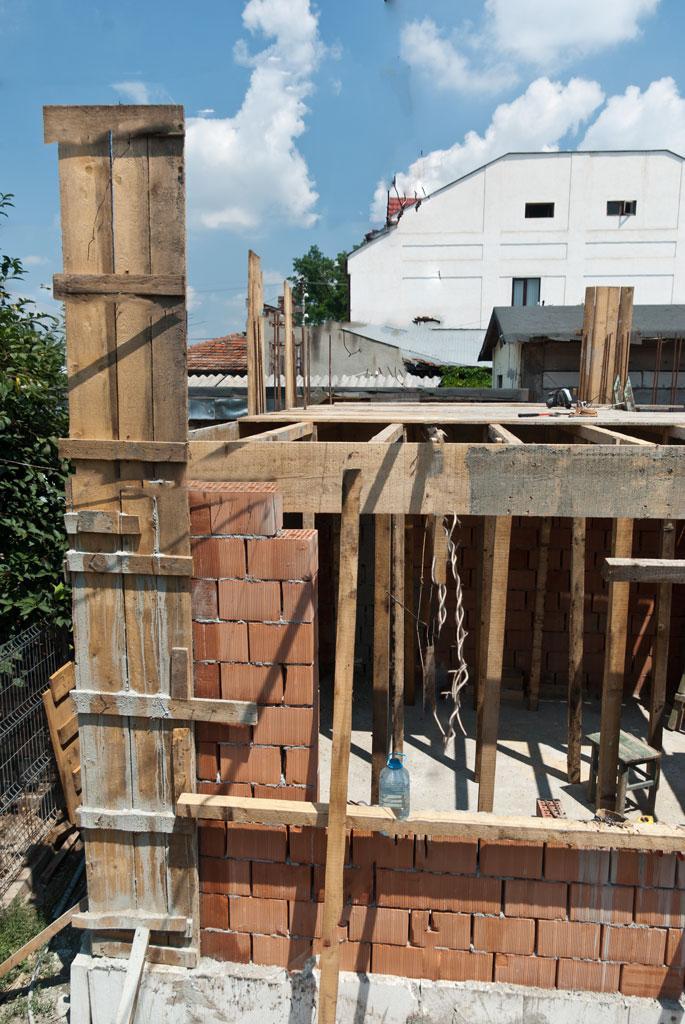 Как сделать бетонный потолок