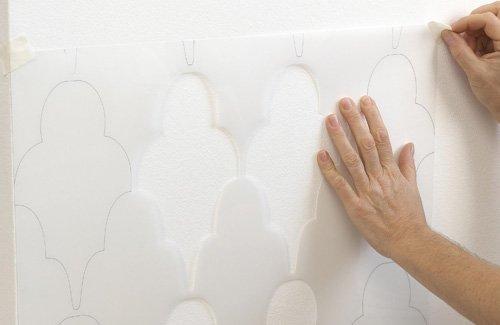 Рисуем на стене трафаретом