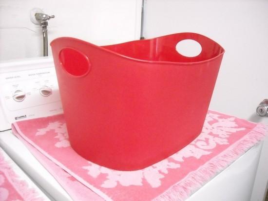 Корзины для белья в ванную комнату