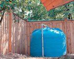 Полиэтиленовая накопительная емкость объемом 4500 л используется для хранения и отстоя воды для полива