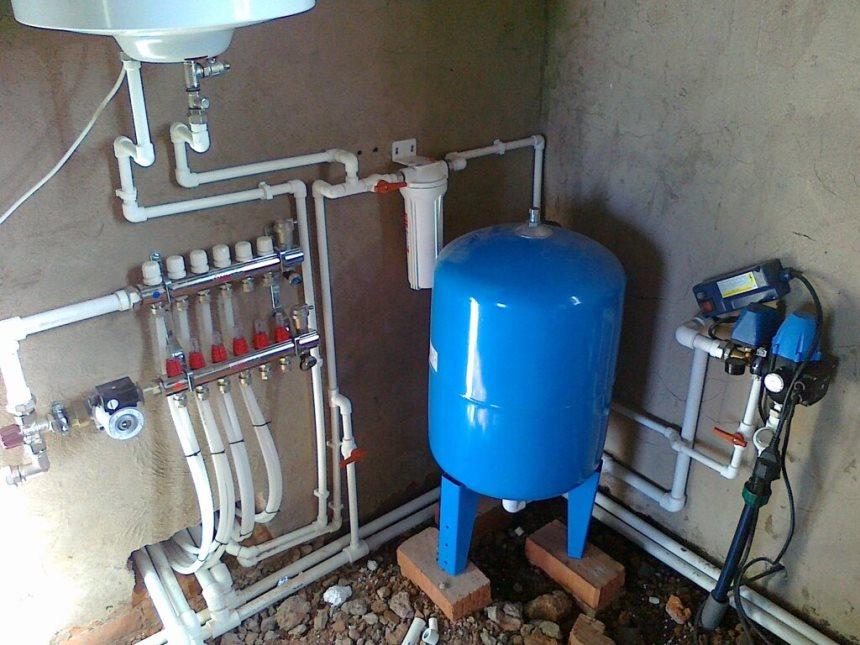 Гидроаккумулятор в водопроводе