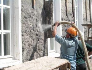 Нанесение теплоизоляции на стену