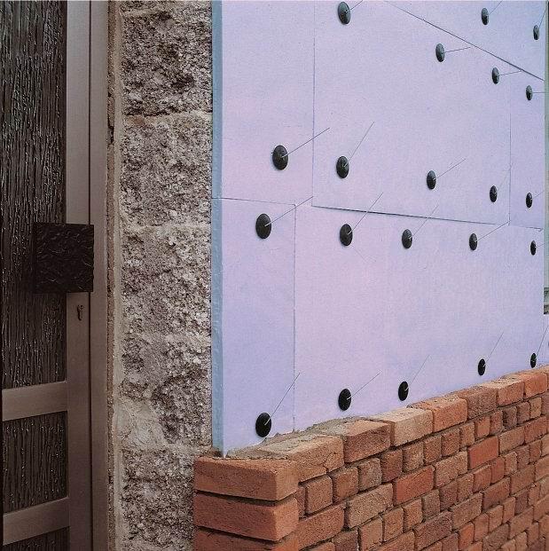 Крепление пенополистирола к стене дома фото
