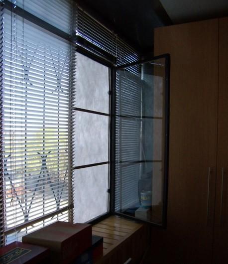 Установка синтепона на окно в два слоя с плотностью 200
