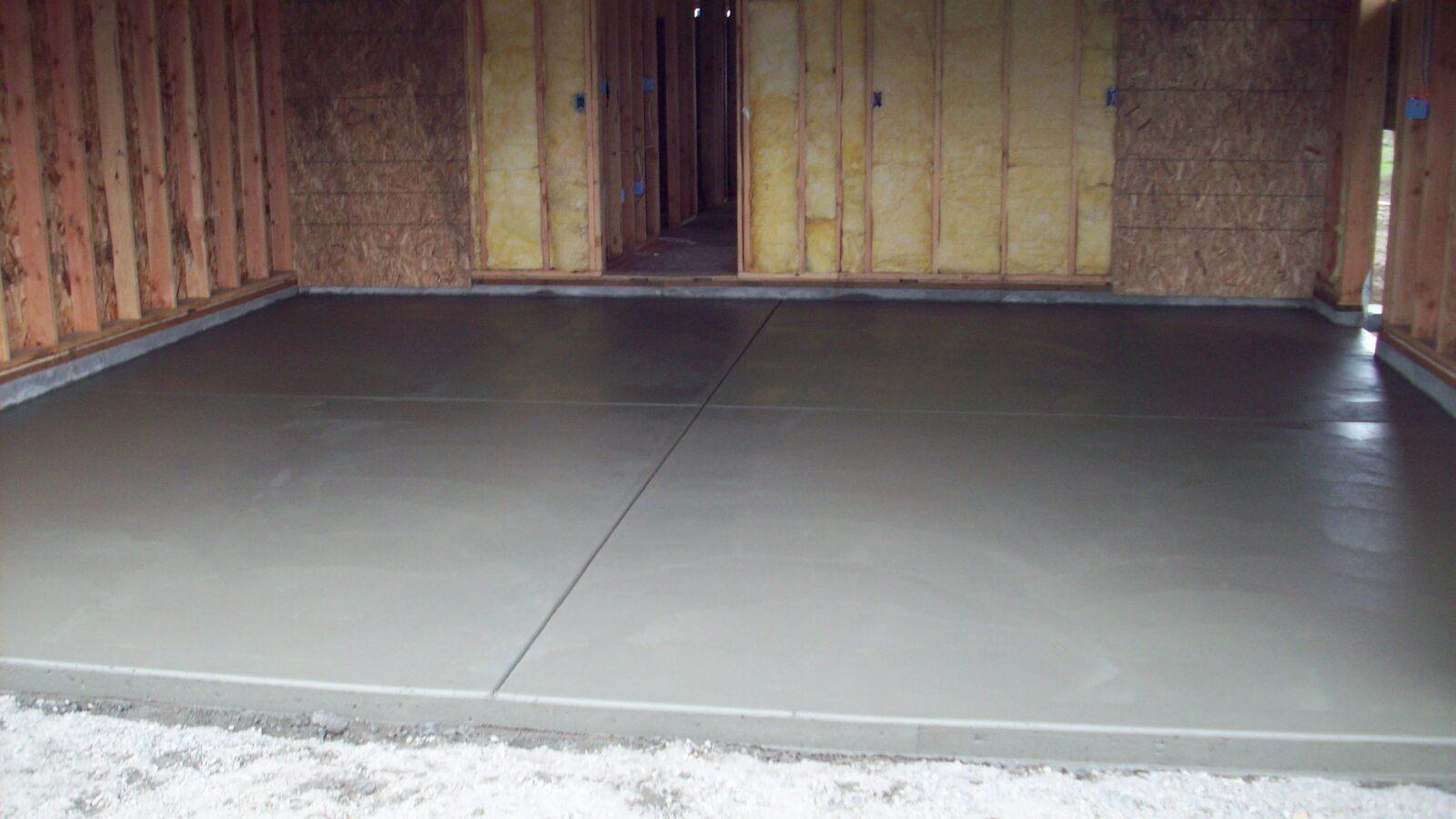 Заливка бетонной смесью