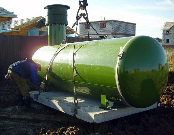 газгольдер якорить бетонной плитой