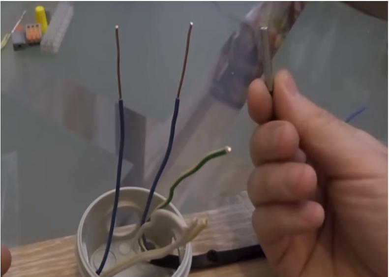 соединение проводов с помощью гильзы