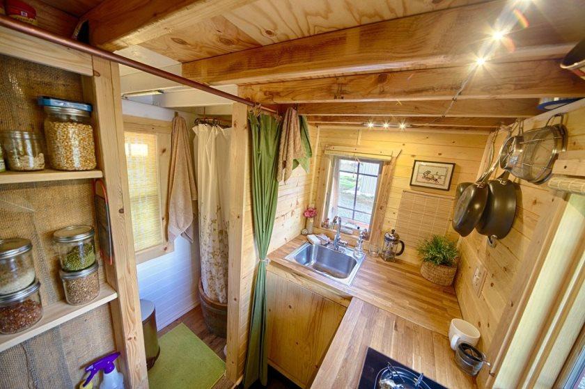 дачный домик: кухня