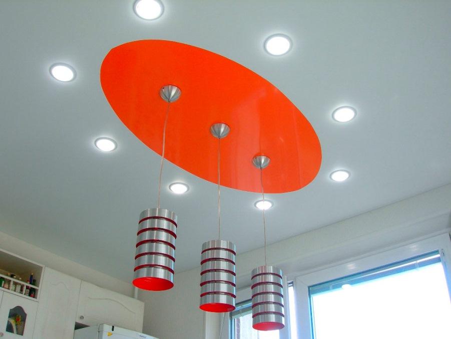 натяжной потолок и освещение на нем