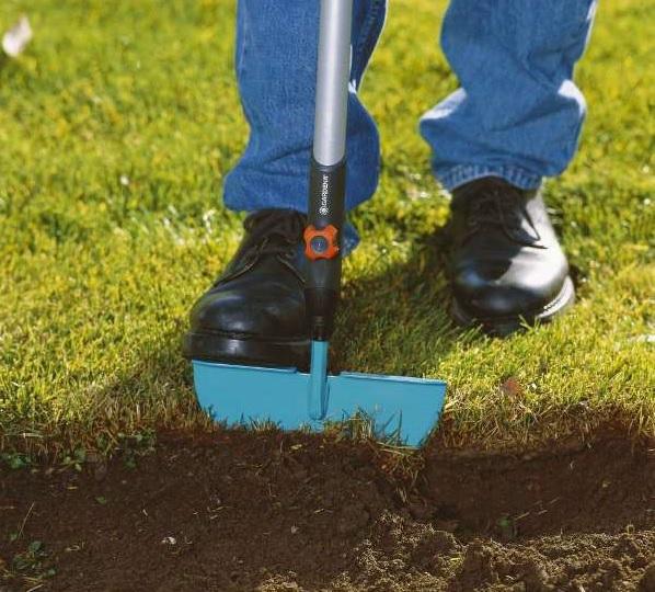Новые садовые гаджеты: Мотоблок для обработки краев газонов и устройство для очистки пешеходных дорожек