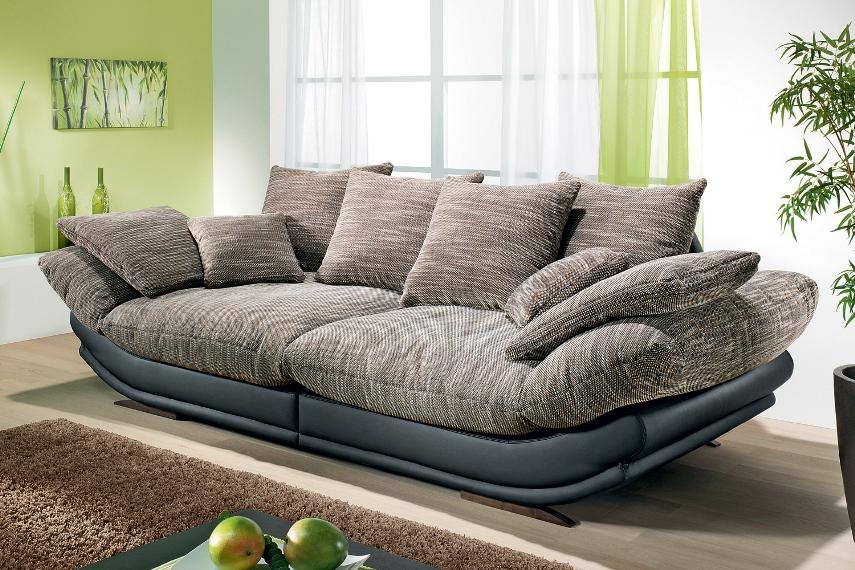 Минимальное количество мягкой мебели в квартире аллергика