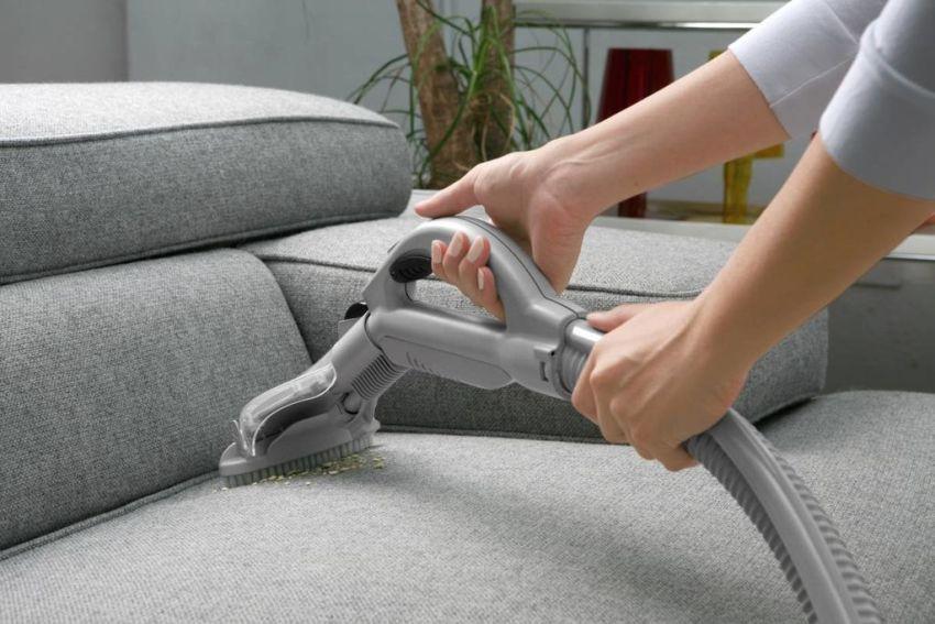 Очищение мягкой мебели