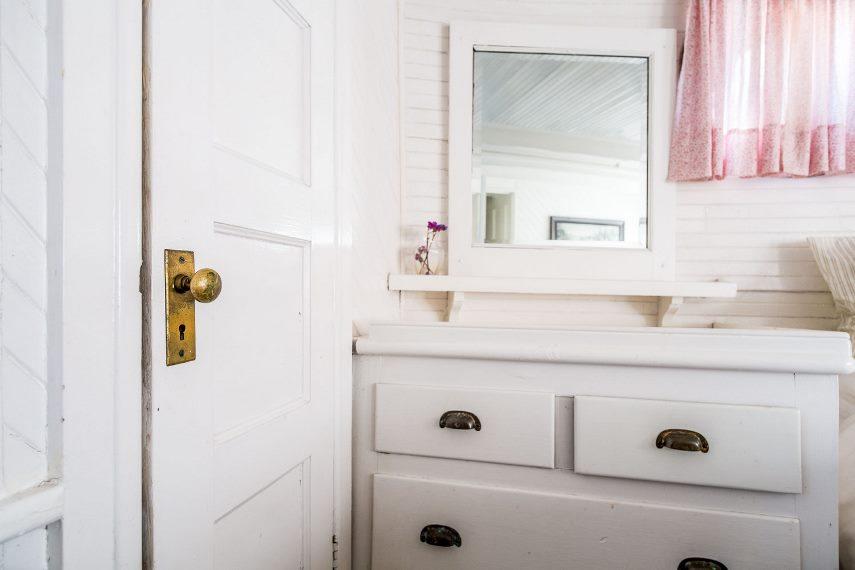 Дверь ванной
