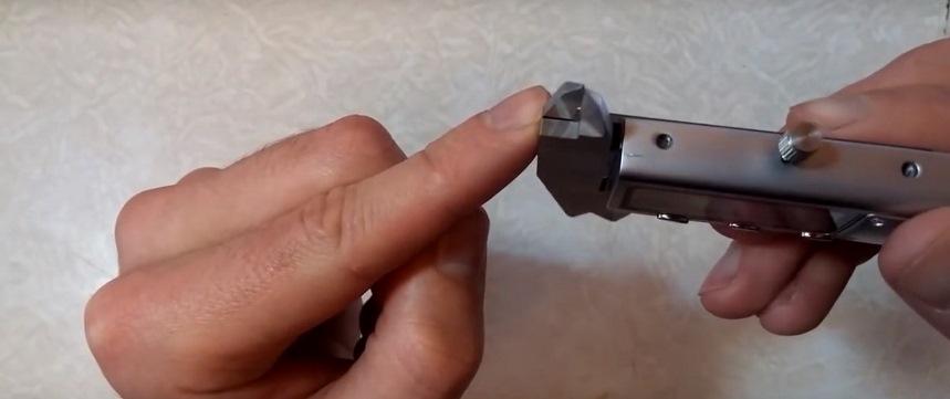 металлические губки штангенциркуля