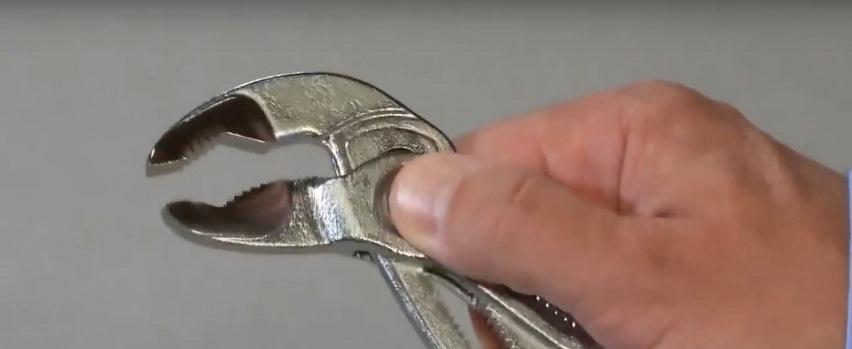 Ключ для сантехника