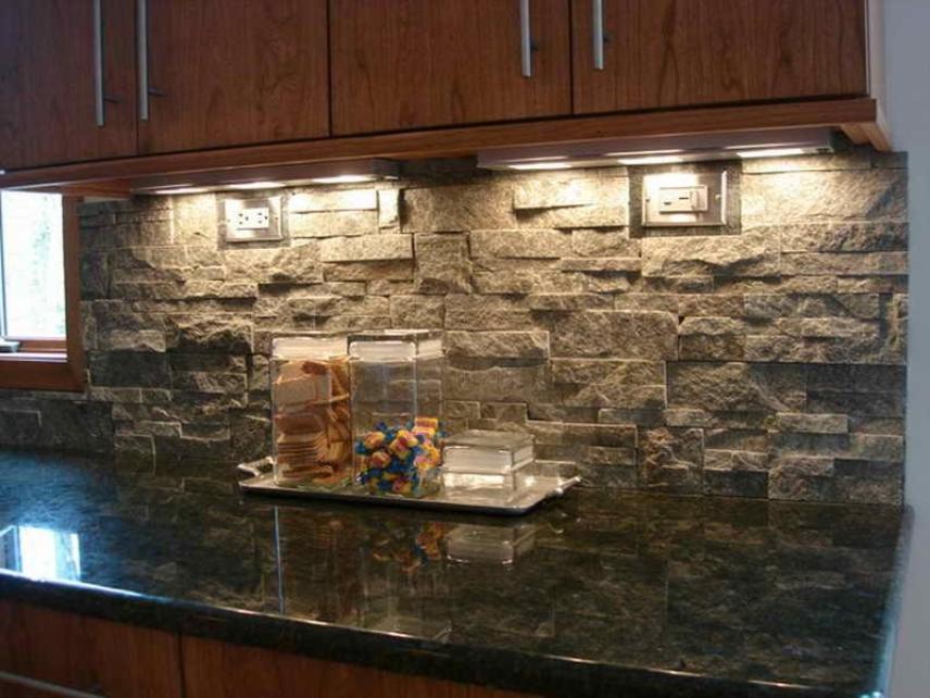 Стильный каменный кухонный фартук
