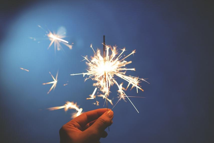 Новогодние бенгальские огни