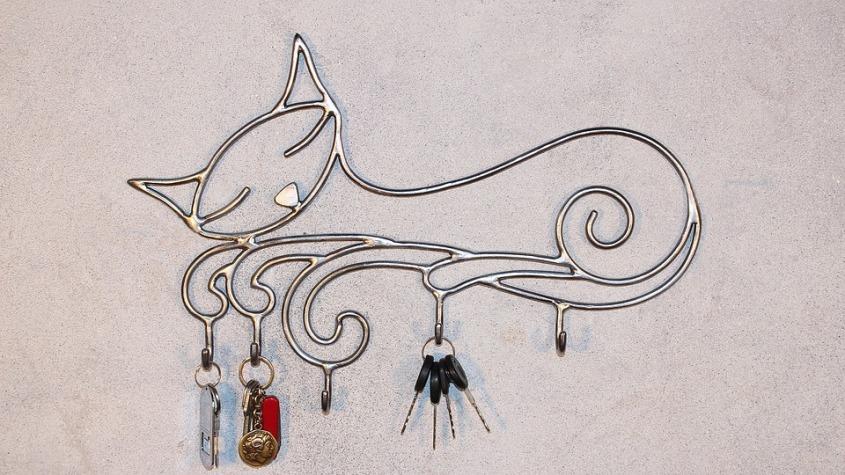 Виды ключниц на стену