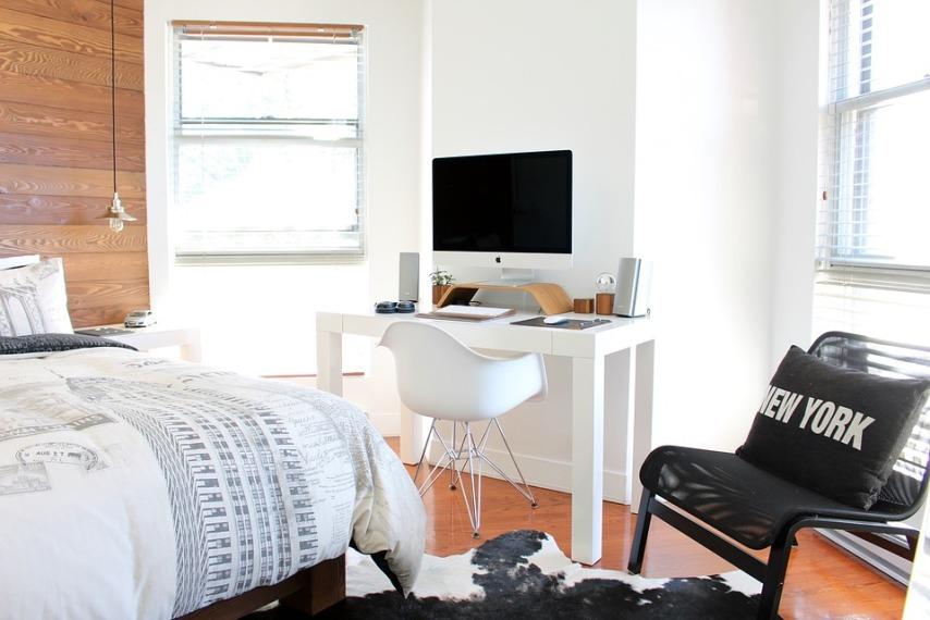 Выбор мебели из сосны в комнату для подростков