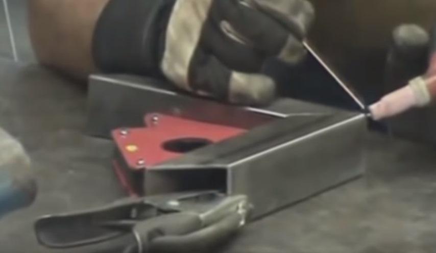 Сваривание с помощью магнитного держателя