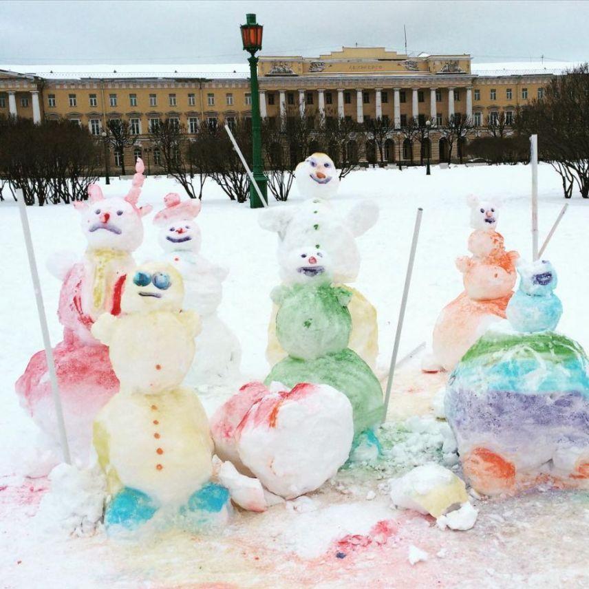 Цветные снеговики