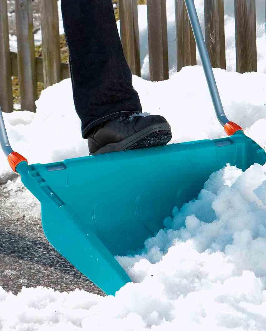 Поломалась лопата для очистки снега