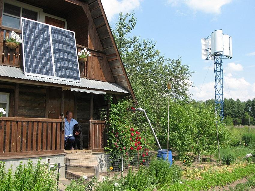 Солнечные панели на балконе загородного дома