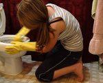 очистить унитаз