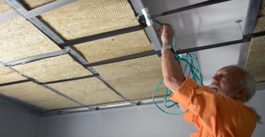 Теплый потолок: провода питания