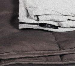 Охлаждающее одеяло Hush разных цветов