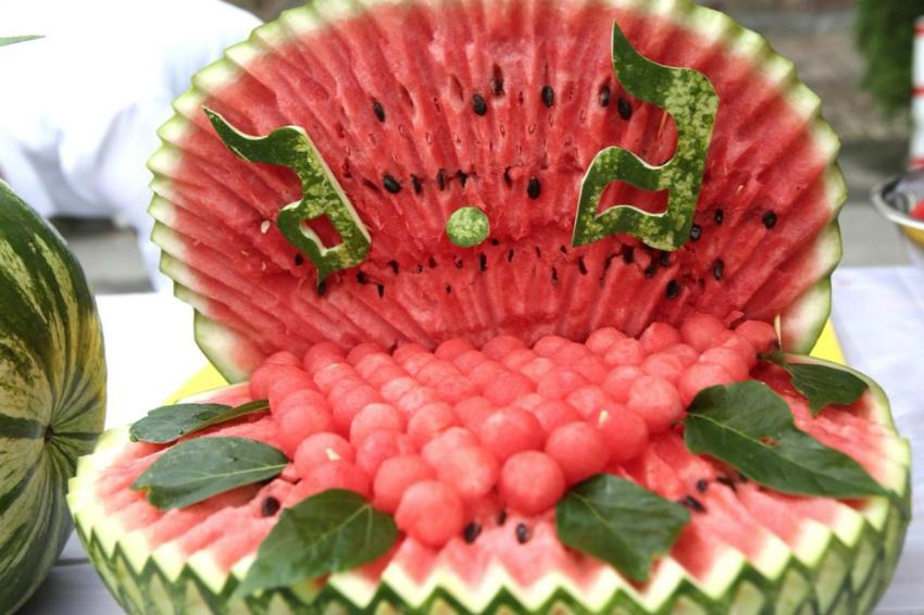 сервировка арбуза