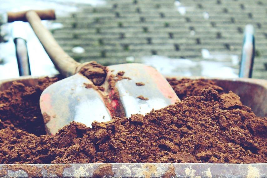 Садовая тачка: уход и обслуживание, или ода садовому инструменту
