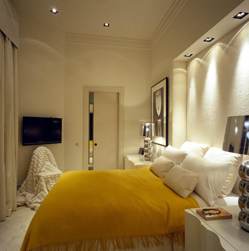 Узкая спальня: освещение