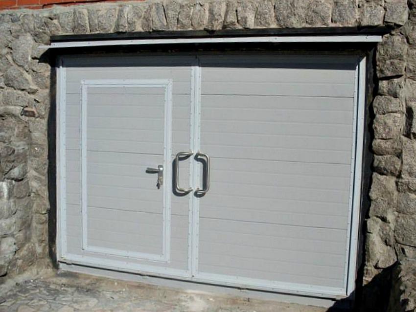 Утепляем ворота гаража