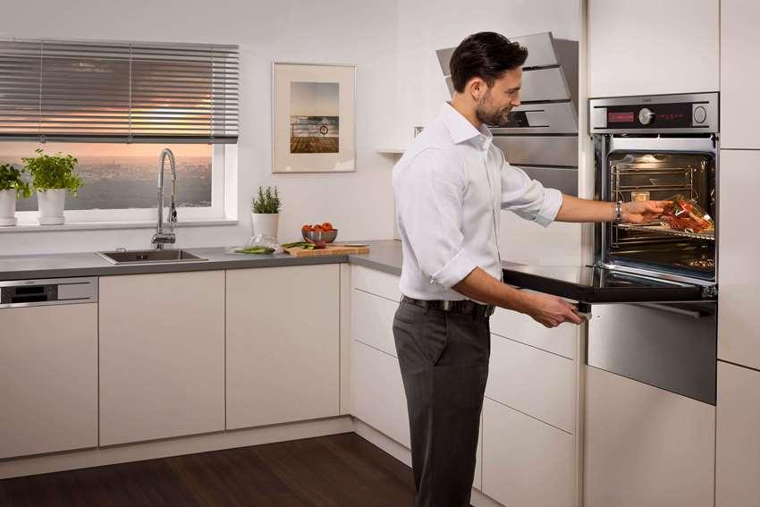 Зонировать кухню: встроенная техника