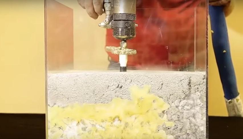 Как приподнять бетонную плиту и быстро построить кирпичный дом