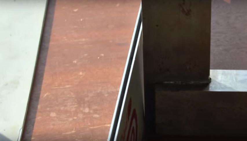 Бензопилу уводит: Шина рядом с угольником