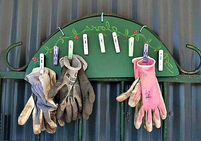 Лайфхак для дачи: от перчаток до садовой тачки