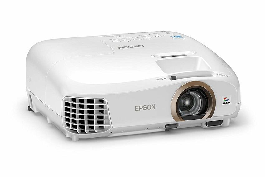 Проектор вместо телевизора: нужна ли такая замена? Думаем вместе
