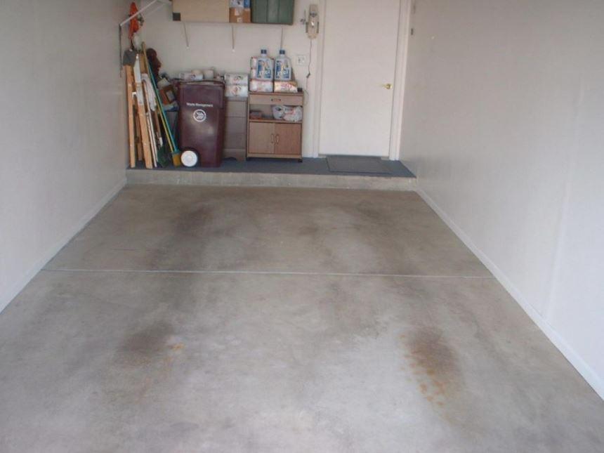 Как сохранить бетонный пол в гараже