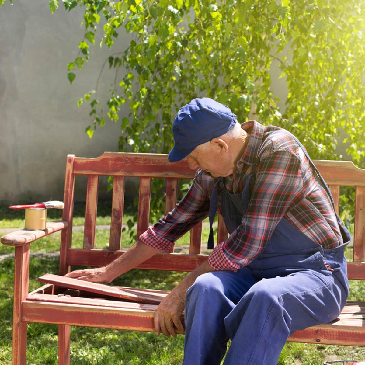 Как перекрасить садовую мебель: полезные советы