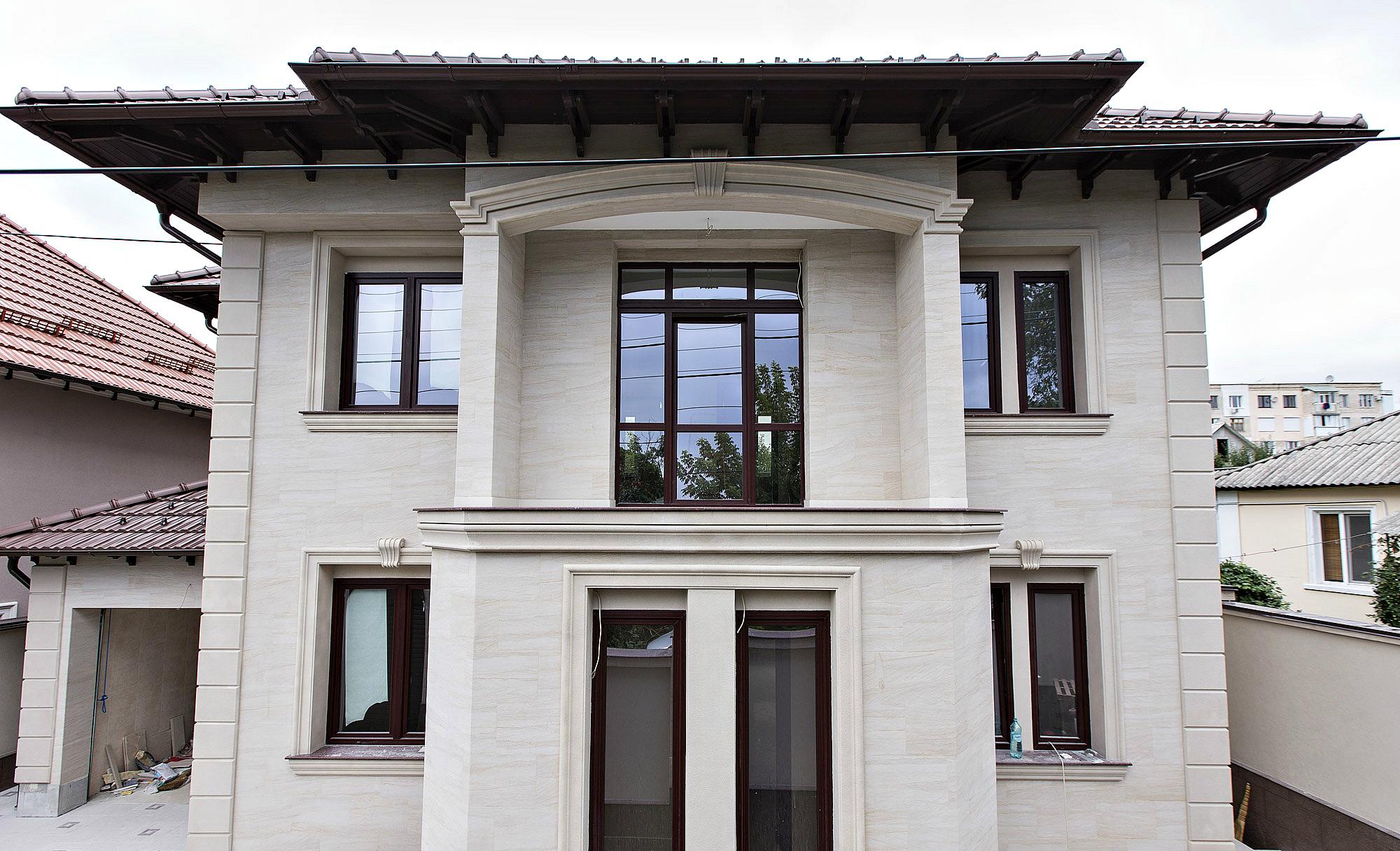 Гибкий мрамор на фасаде дома