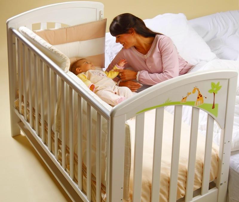Кроватка со снятым бортиком