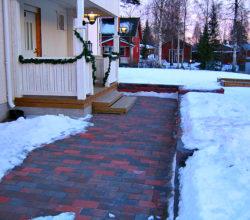 Надоело чистить снег с дорожек? Соорудите систему снеготаяния!