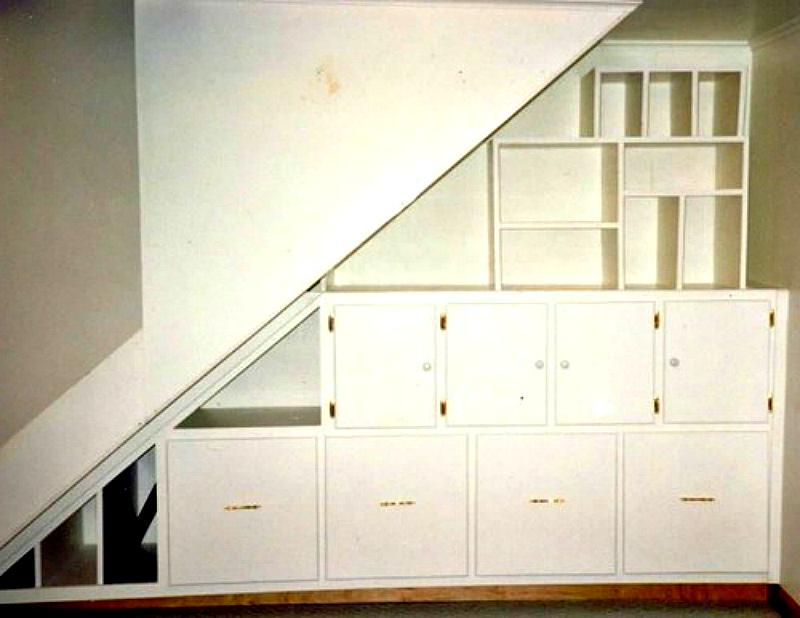 Сочетание открытых полок и закрытых шкафов