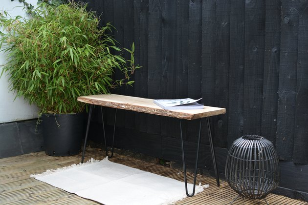 Стильная скамья для сада на ножках-шпильках: мастер-класс