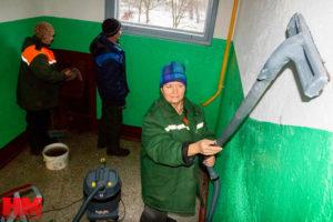 Уборка подъезда - очистка стен раз в год