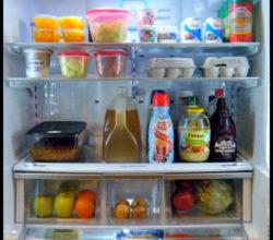 Простые и надежные способы избавления от запахов в холодильнике