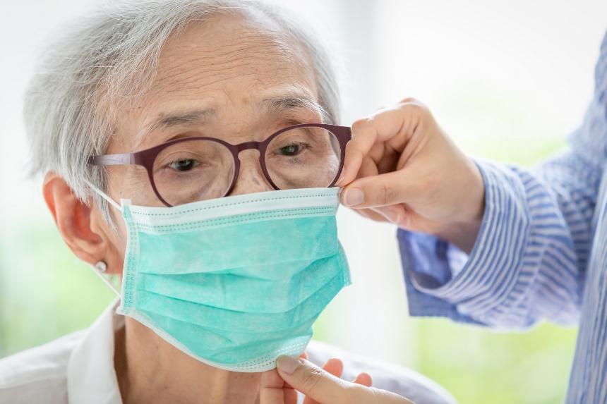 Коронавирус опасен для стариков